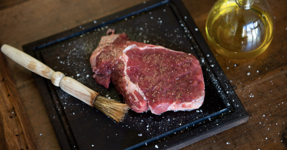 Drizzled-steak-with-olive-oil